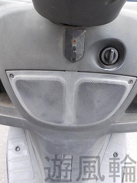 スクーターのスピーカー取り付け部分