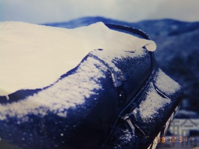 バイクに積もった雪