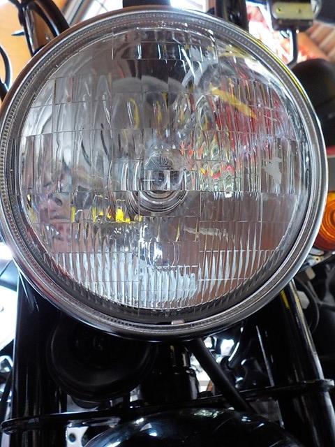 丸形ヘッドライト