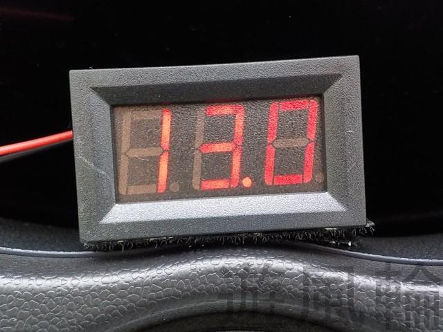 バイクの電圧計