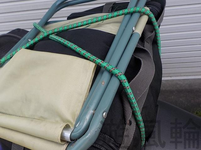 荷物のロープかけ
