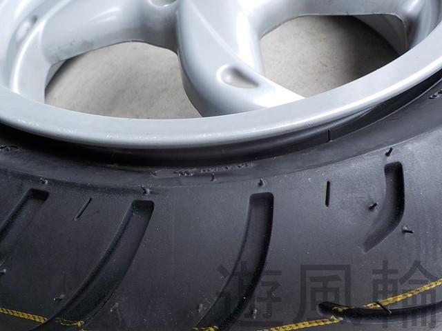 ビードが落ちたタイヤ