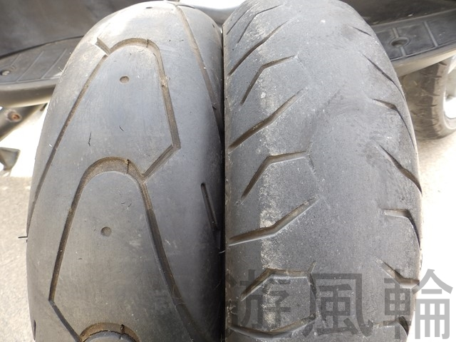摩耗したタイヤ
