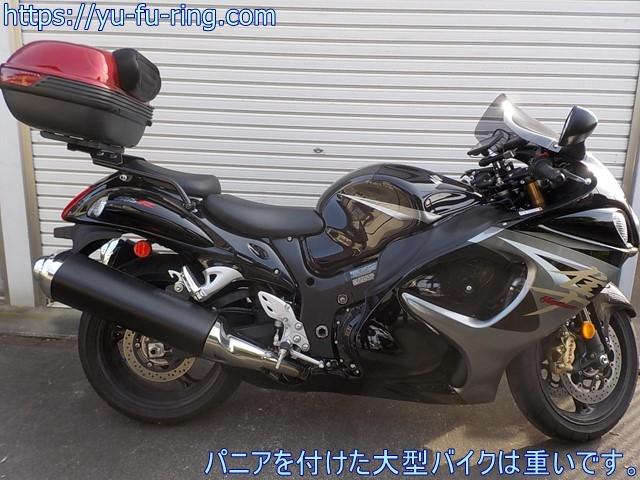 パニアを付けた大型バイクは重いです。